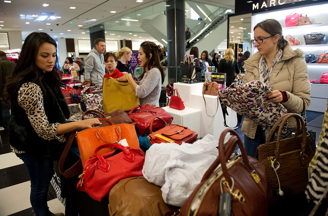 US Consumer Confidence Falls to 2011 Lows